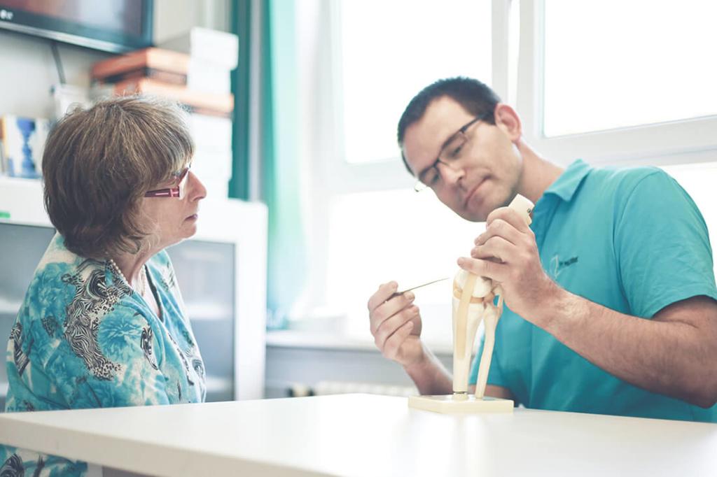 Arthrosetherapie Berlin - Dr. Völker - Leistungen der Praxis - Behandlung von Arthrose in Lichtenberg