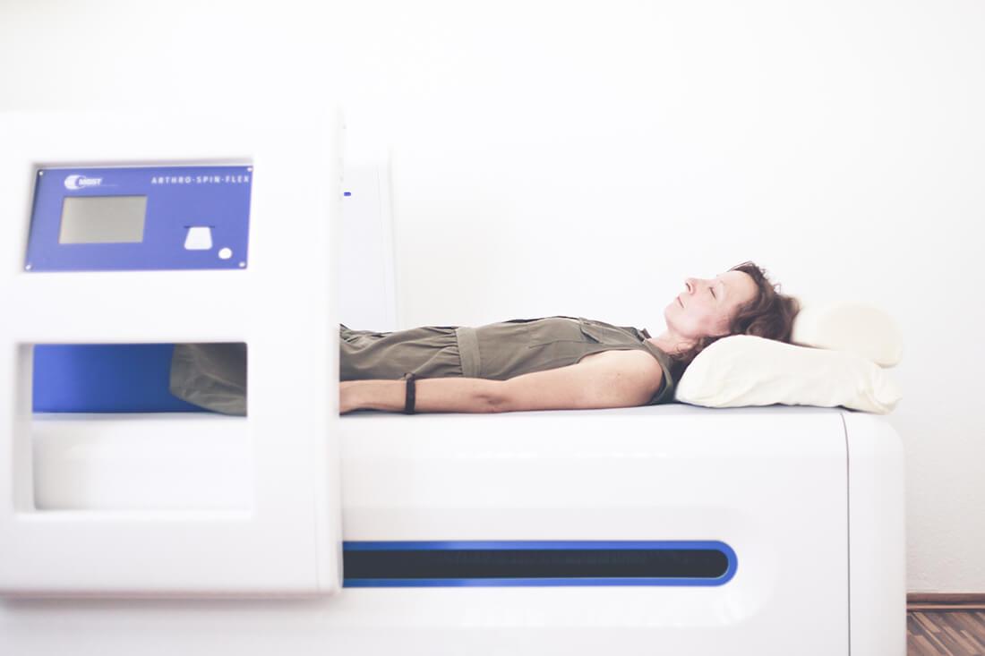 Arthrosetherapie Berlin - Dr. Völker - Behandlung von Arthrose in unserer Praxis mit MBST